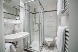 Familienzimmer in Göttingen buchen Parkhotel Ropeter Foto Bad
