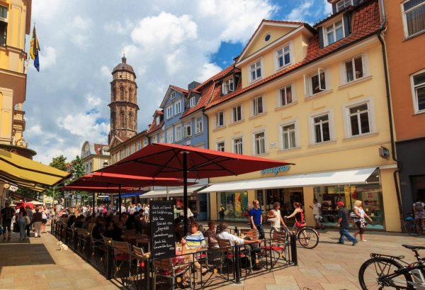 Die Göttinger Altstadt mit dem Gänselieselbrunnen